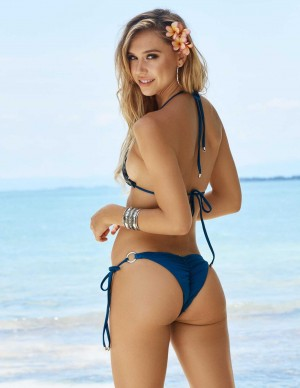 photos Alexis Ren