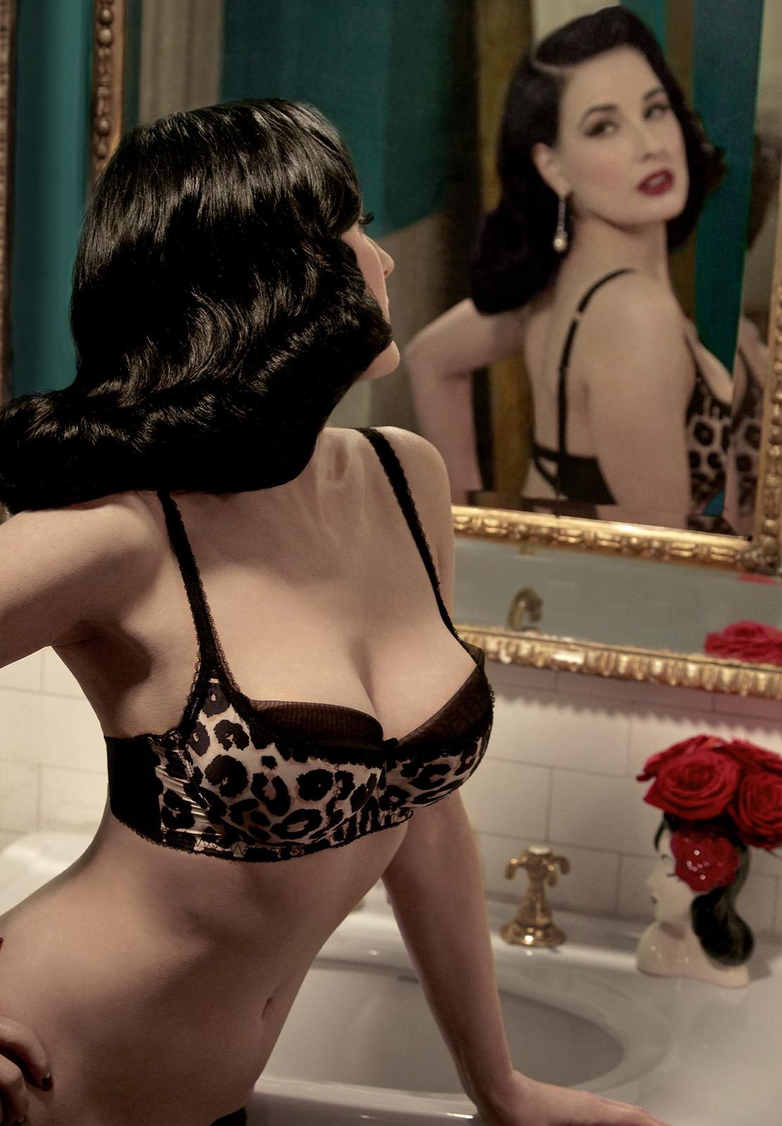 Shooting Dita Von Teese - Vintage Lingerie Classic 1950s