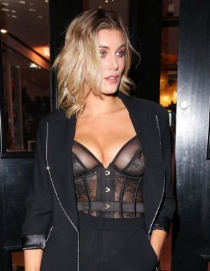 photos Ashley James